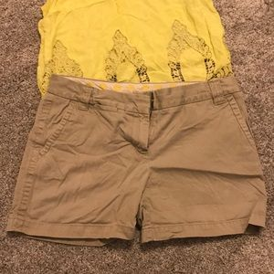 J Crew curvy fit chino shorts!